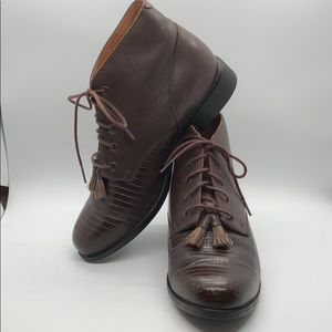 Ariat Lace Up Brown Leather Ankle Boots Size 6.5